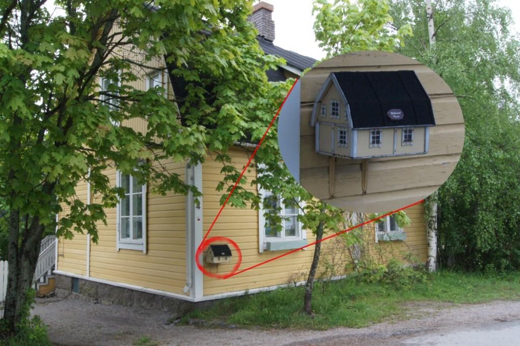 Miniaturhaus als Briefkasten
